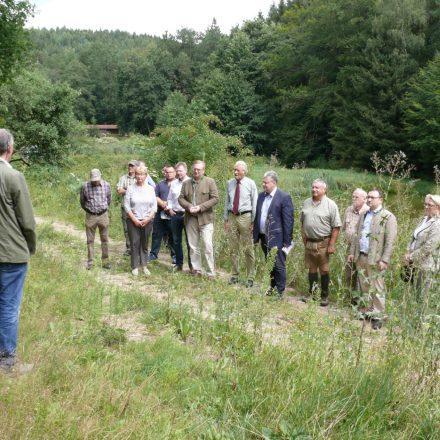Pressetermin an den renaturierten Teichen©Wildland-Stiftung Bayern